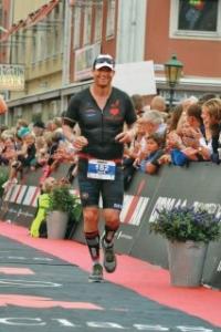 Ironman Finish kalmar smile 213x320 1 200x300 - Ironman-Finish-kalmar-smile-213x320
