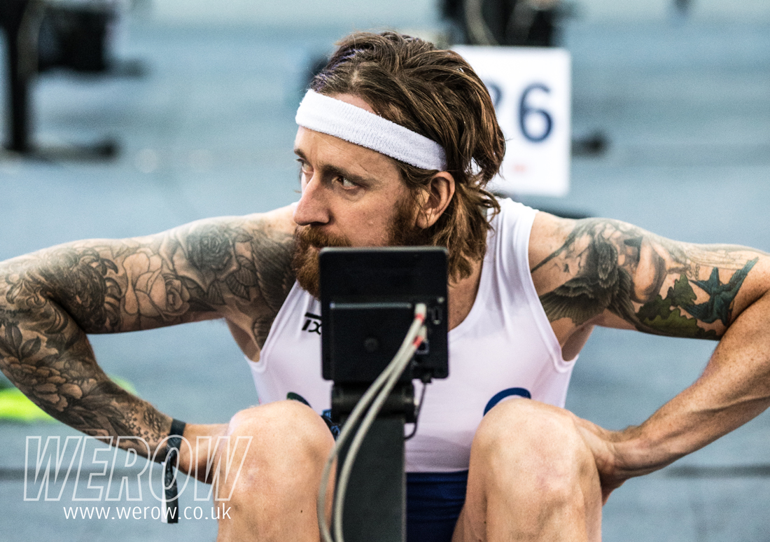 Bradley Wiggins eyes up the BG rowers