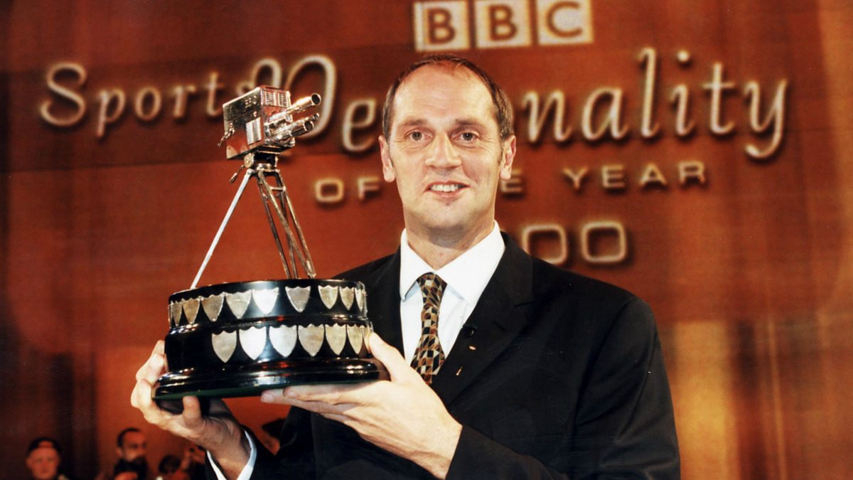Steve Redgrave wins sports personality of the year in 2000