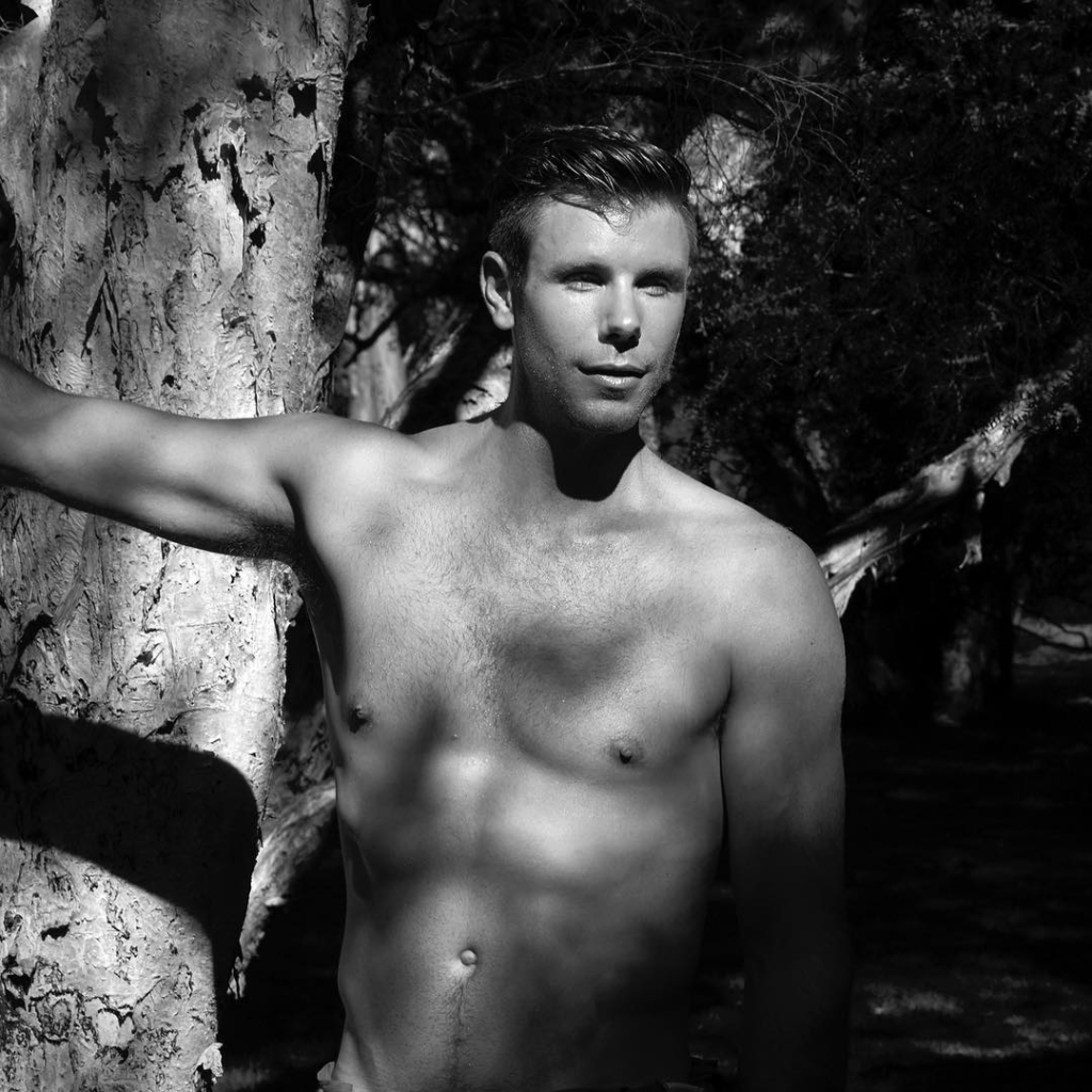 New Zealand sculler Robbie Manson for the Warwick Rowers tenth anniversary calendar